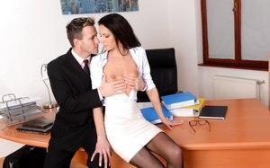 Cheval et femme sexieul