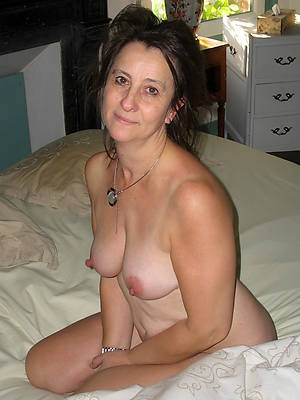 Nude older woman pics