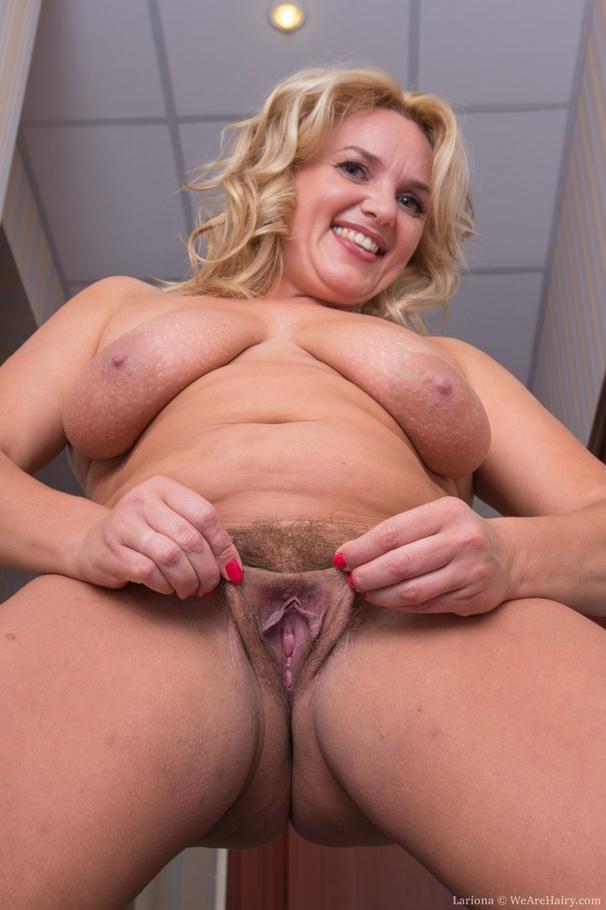 Show lady pussy. com