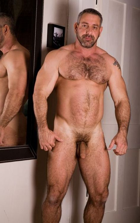 Hairy nude bearme n