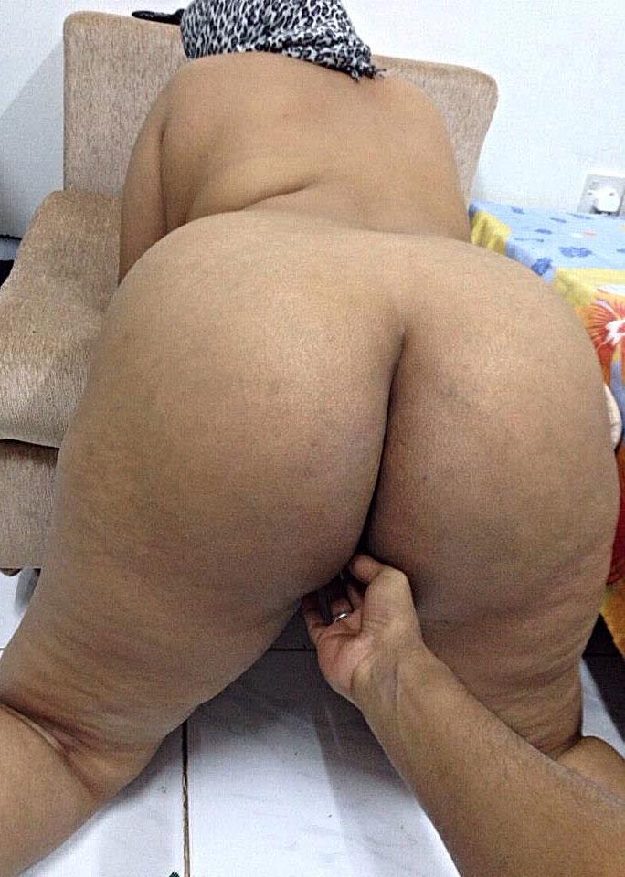Nude big hips indian