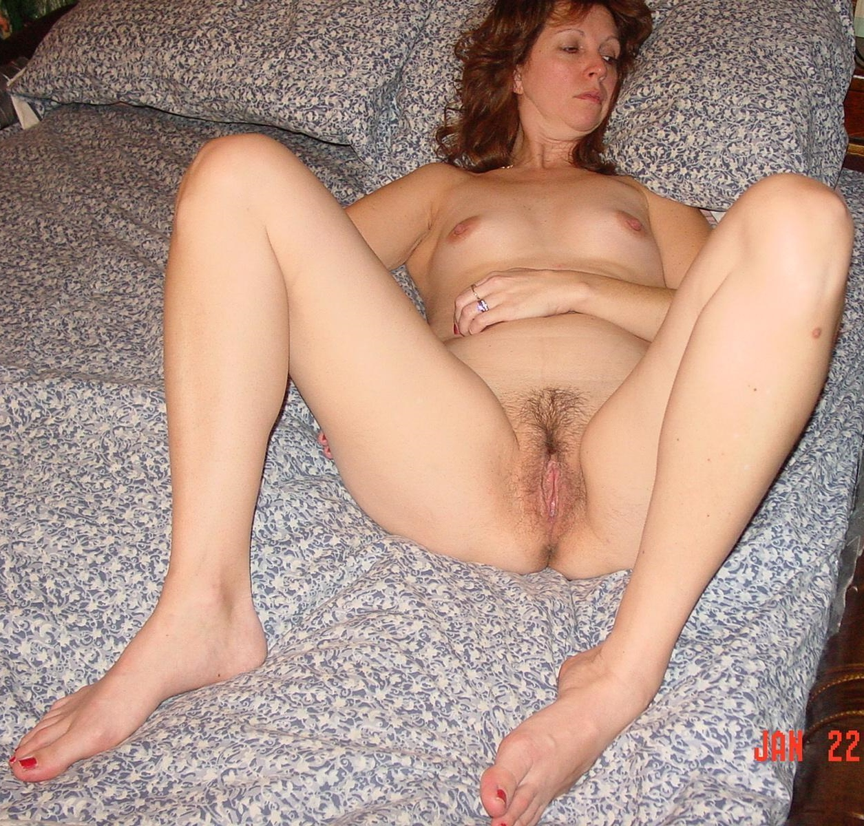 Grannymommilf spreading legs wide for boy to see