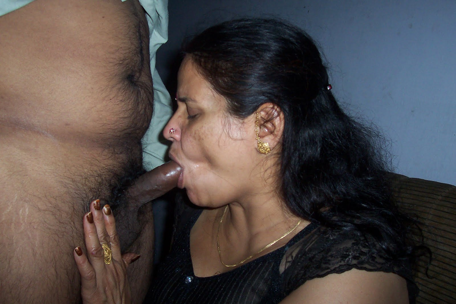 Indian older aunty pic.