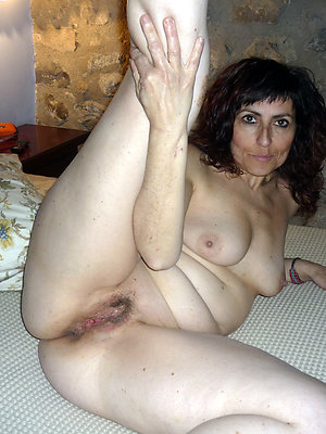 Mature nude hairy brunettes