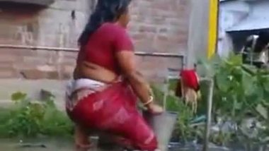 Sex photos aunty outdoor saree