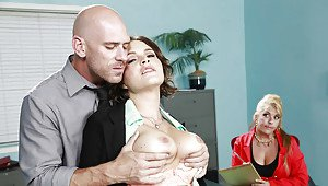 Sunny leone blowjob pictures