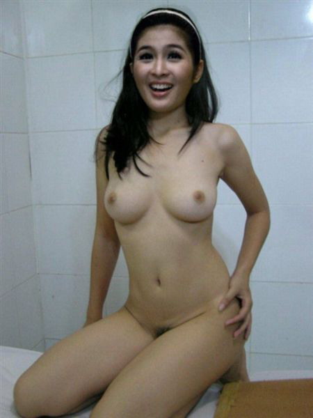 Filipina celebrity model nude pic