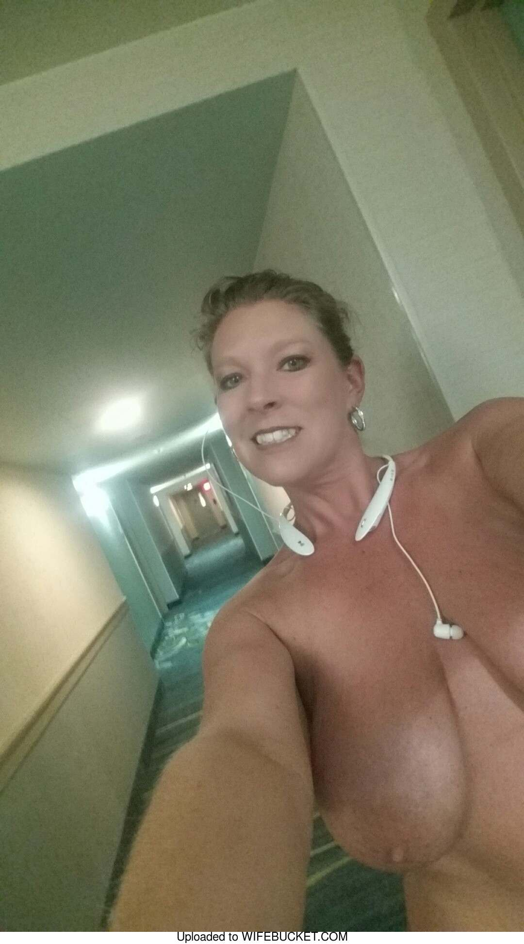 Naked milf selfies from indiana