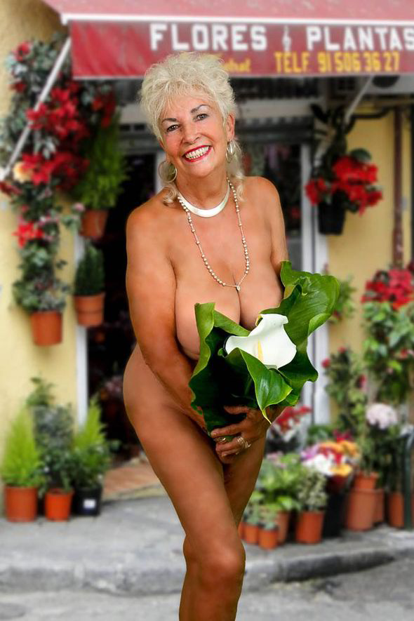 Glamorous grannies in nude