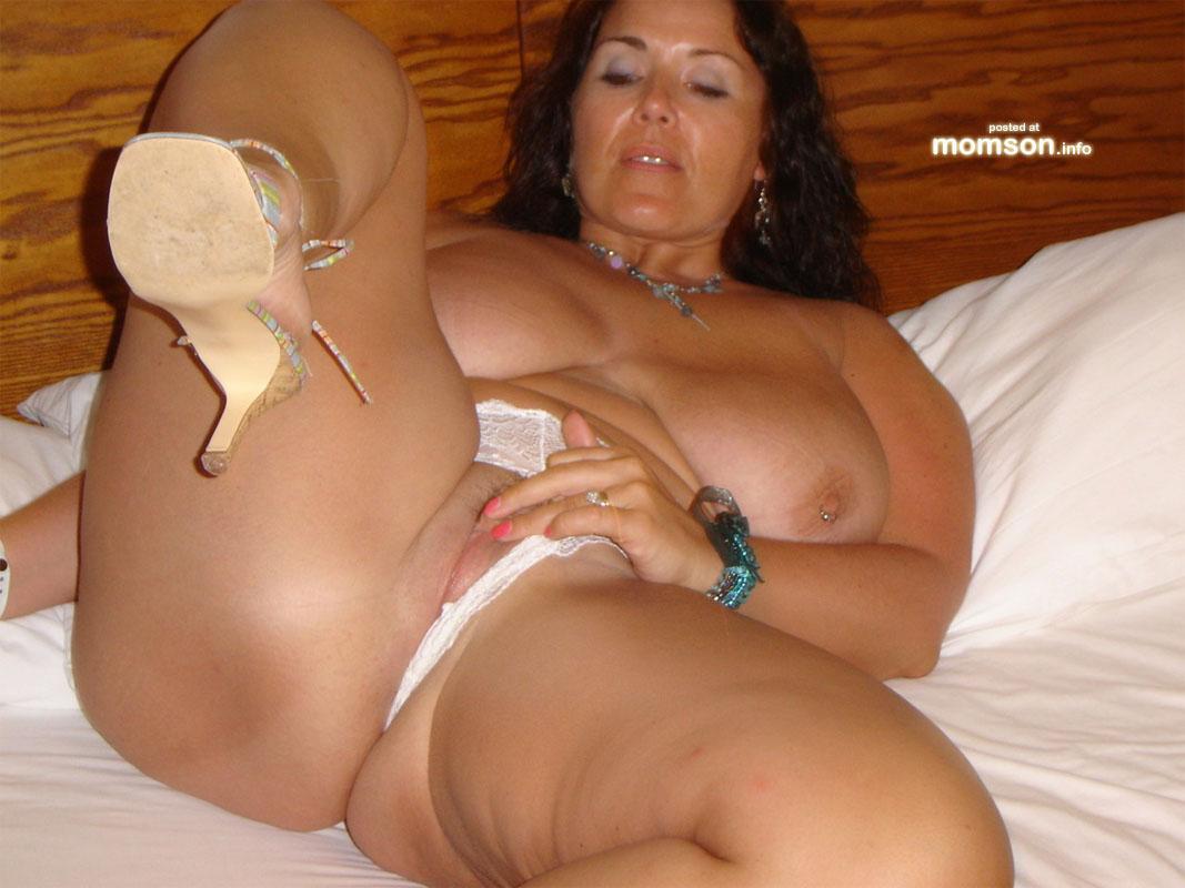 Plus size nude milfs