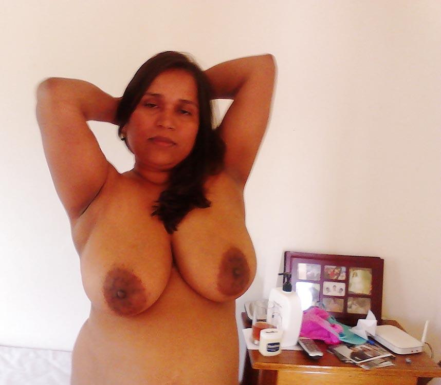 Mallu old aunty big boobs