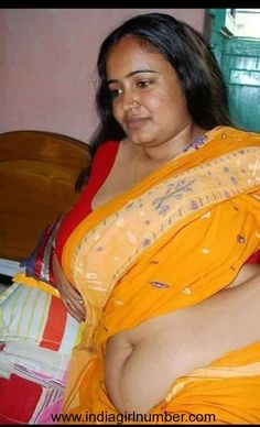 Aunty saree nude photos.