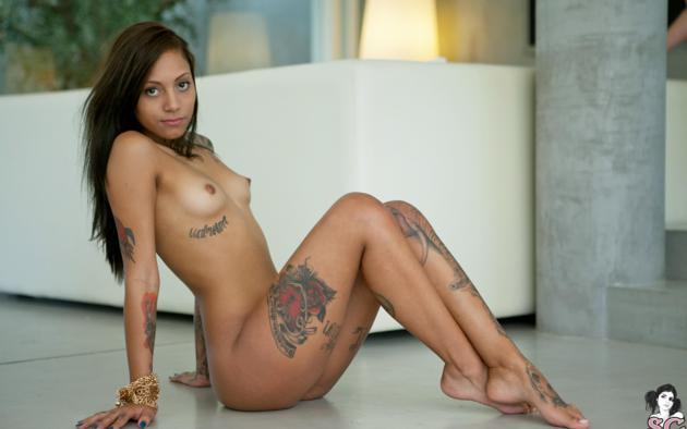 Ebony suicide girl nude
