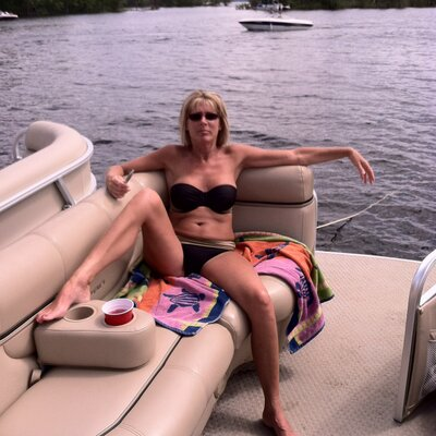 On hot boat matures
