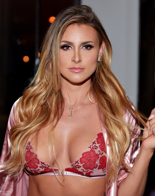 Sweet amanda model nude