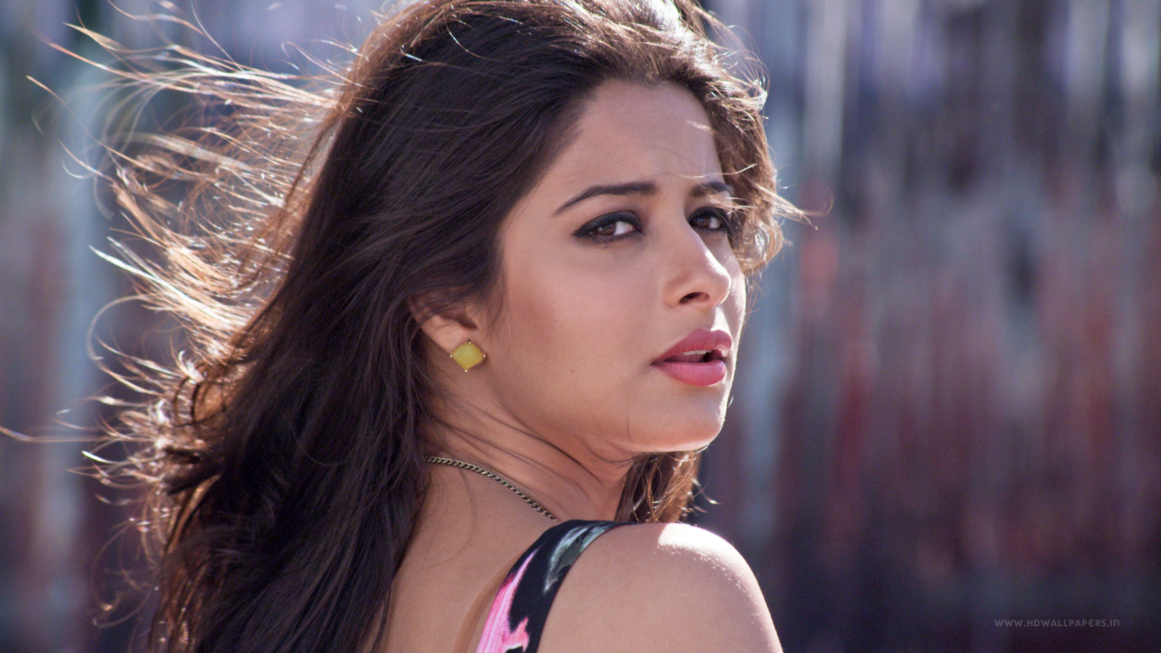 Sauth actresses ful hd wallpapers