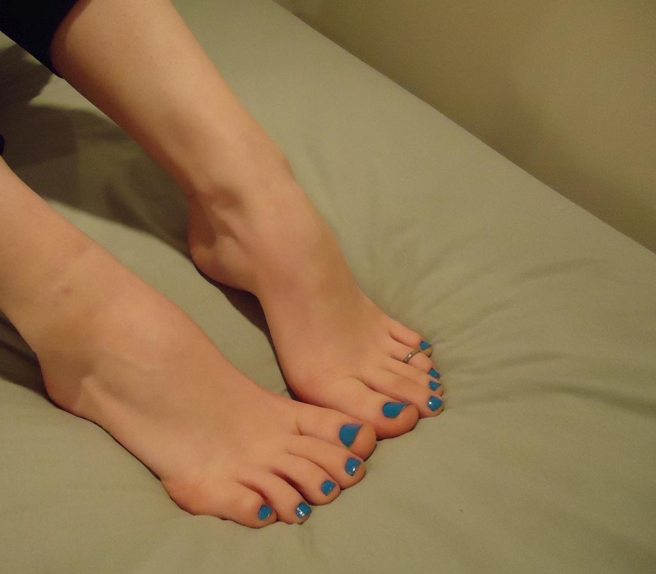 Toenails blue sexy feet
