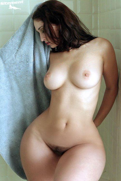 Nude big hips naked girls