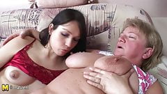 Tenn girl fucking mommy