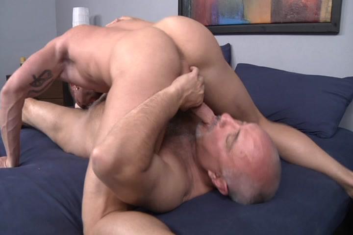 Jake cruise girth brooks kissing images