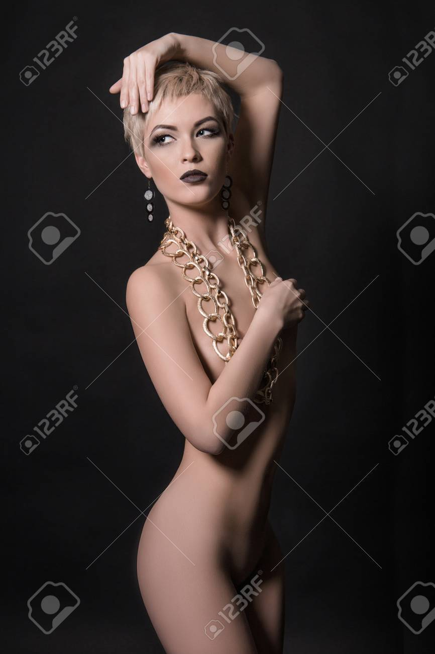 Nude girls with short blonde hair