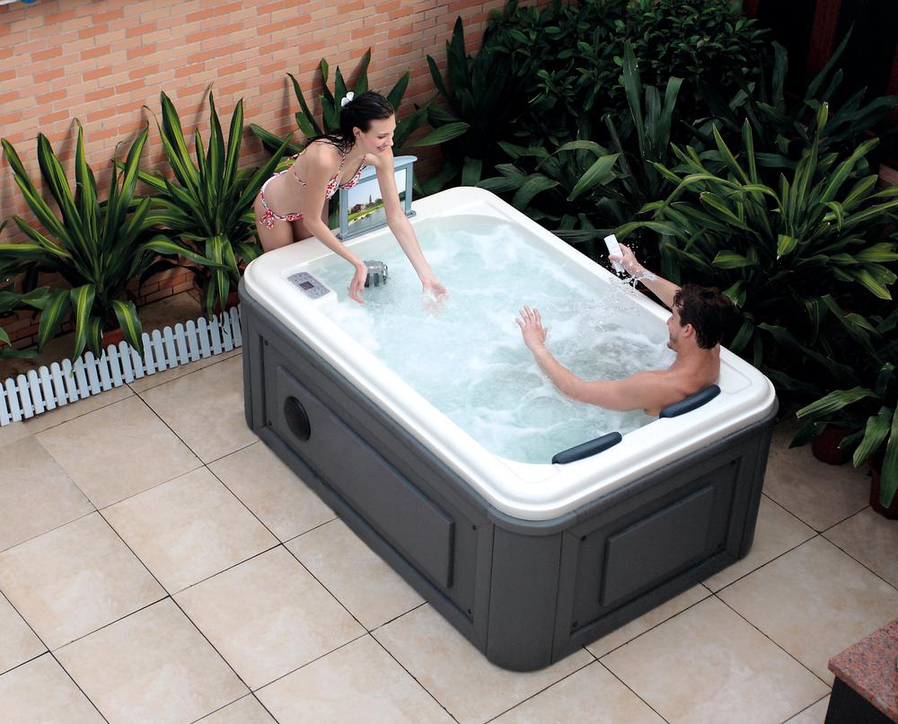 Outdoor hot tub sex