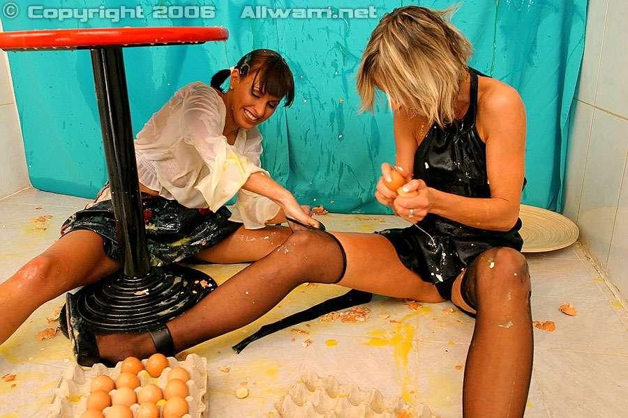 Wet and messy lesbian food wam