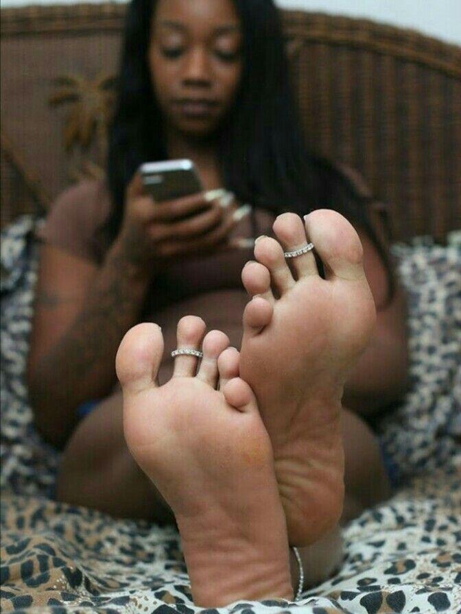 Pretty black girl feet