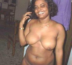 Real life aunty saree nude