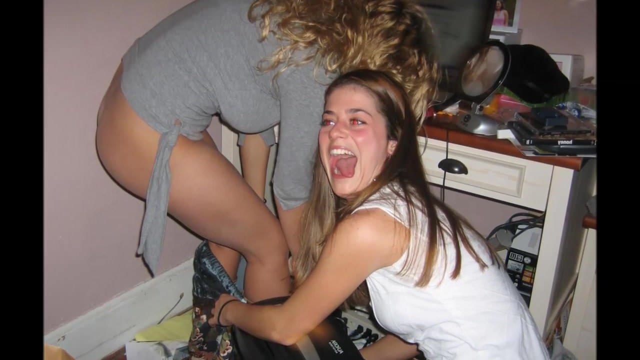 Teen girls pantsing girls