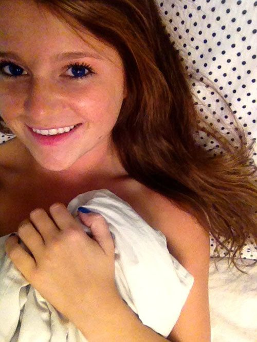 Cute young teen girls selfies