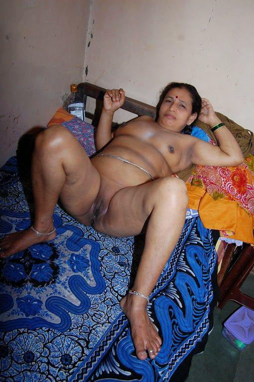 Full nude indian aunty