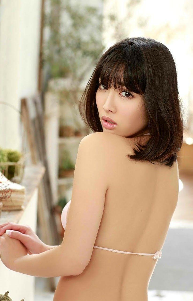 Girl nude kawaii gravure