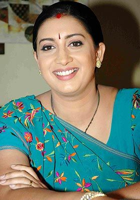 Smriti irani big hips photoes