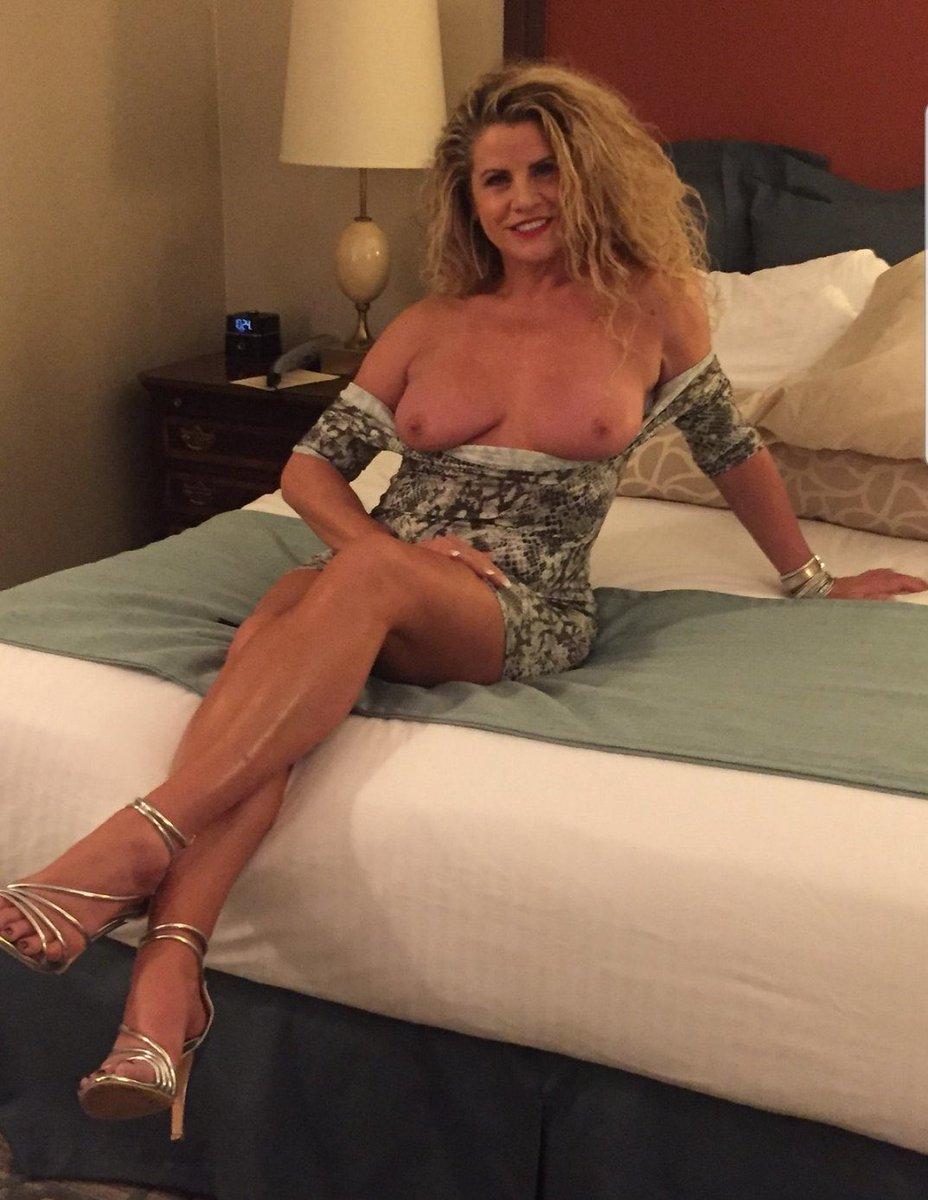 Hot sexy sluty moms