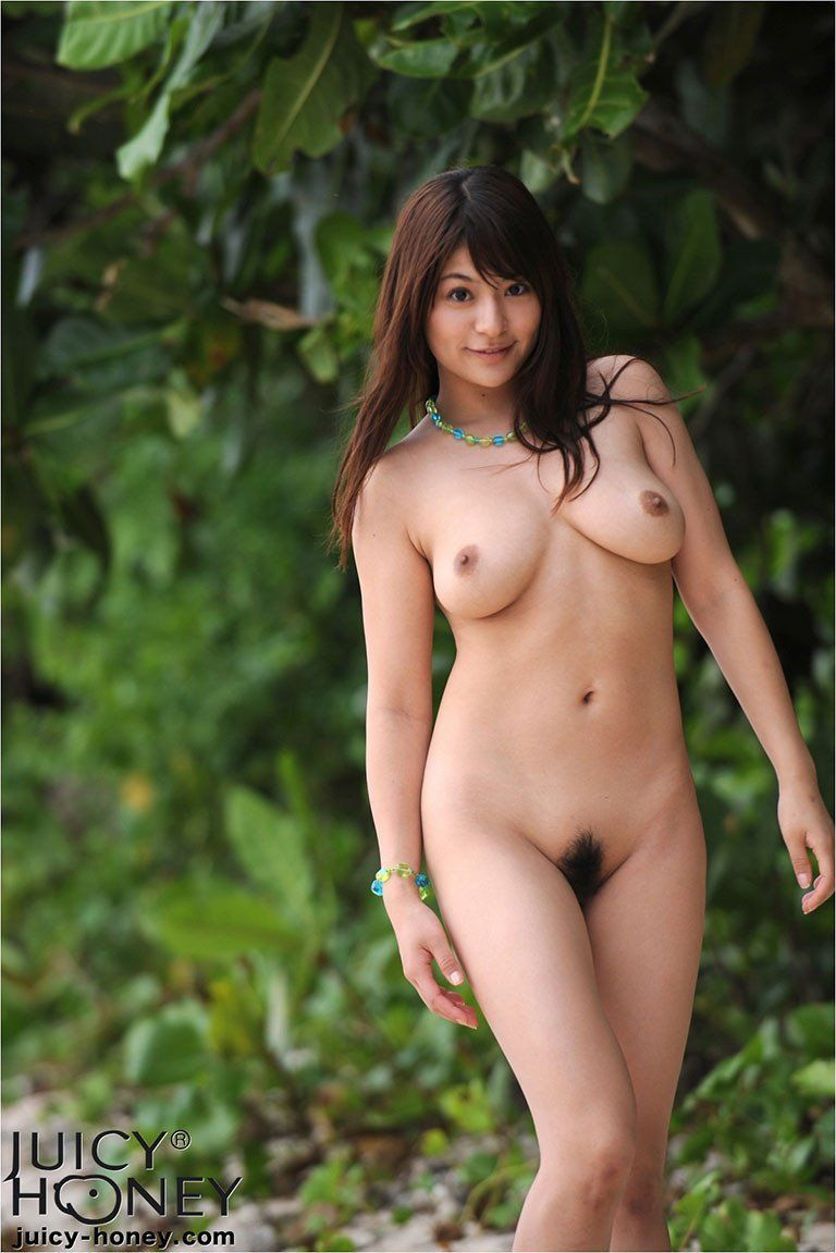 Chinese nude girls outdoors