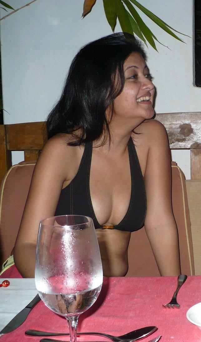 Hot desi bhabhi naked