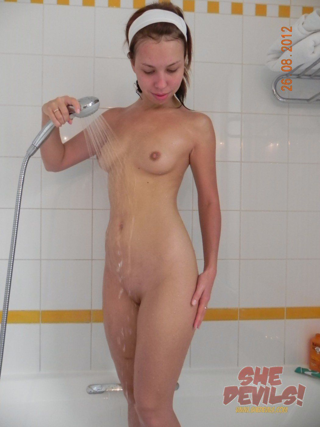 Nude girl in shower pics