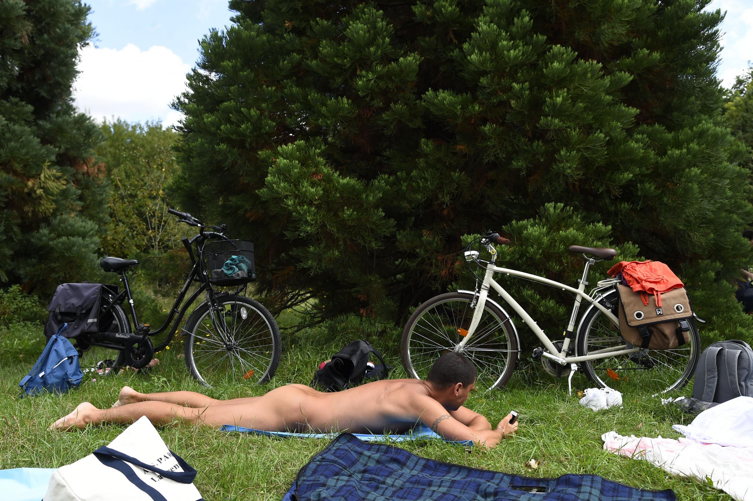 Voyeur nudist girls family
