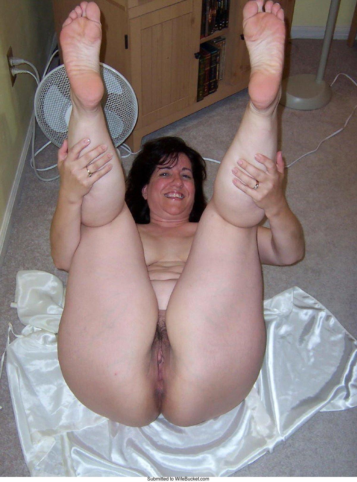 My mature wife posing nude