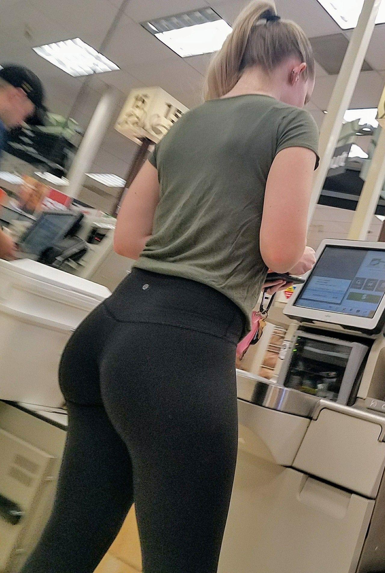 Hot girls ass leggings