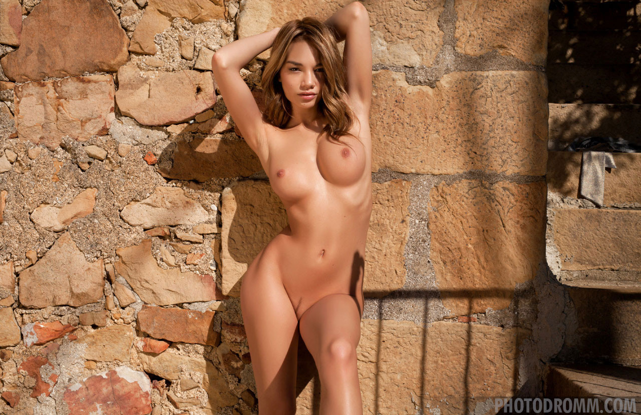 Best nude models gallery