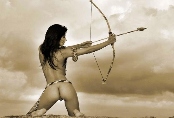 Nude sexy archer girl