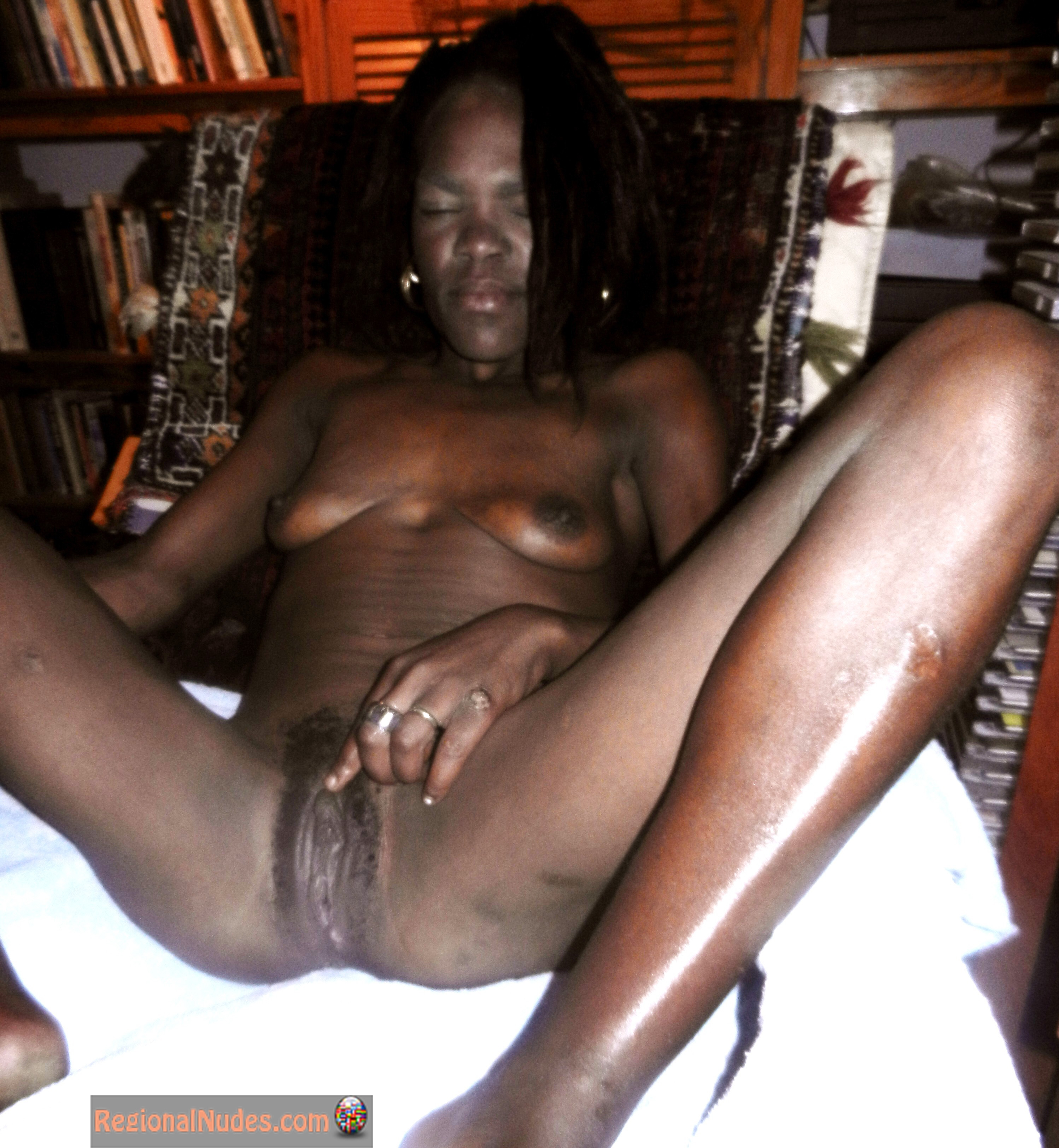 Very black africa girl pussy