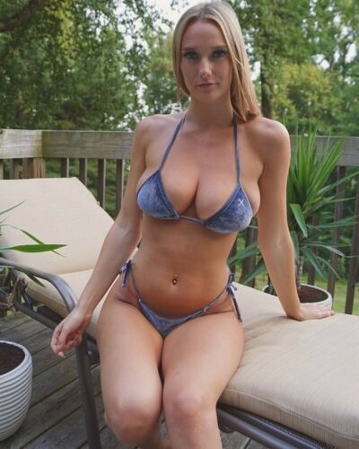 Amateur busty blonde bikini