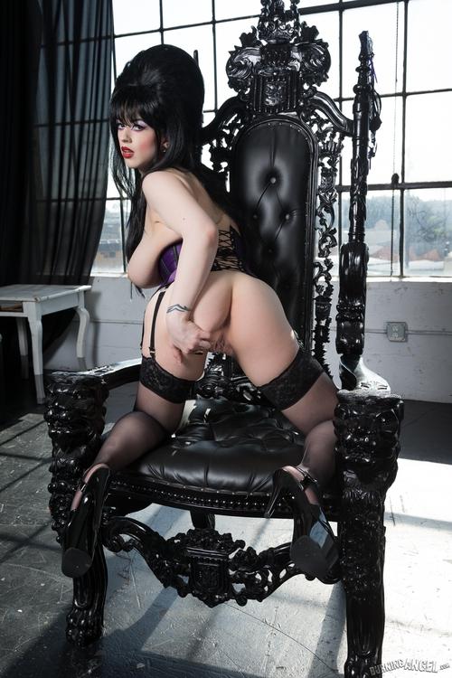 Elvira mistress of the dark porn