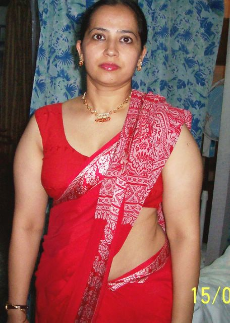 Indian aunty in hot sarees blouses fake xxx images