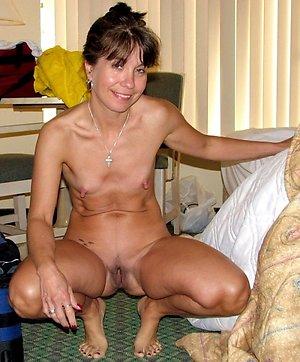 Amateur mature tiny porn