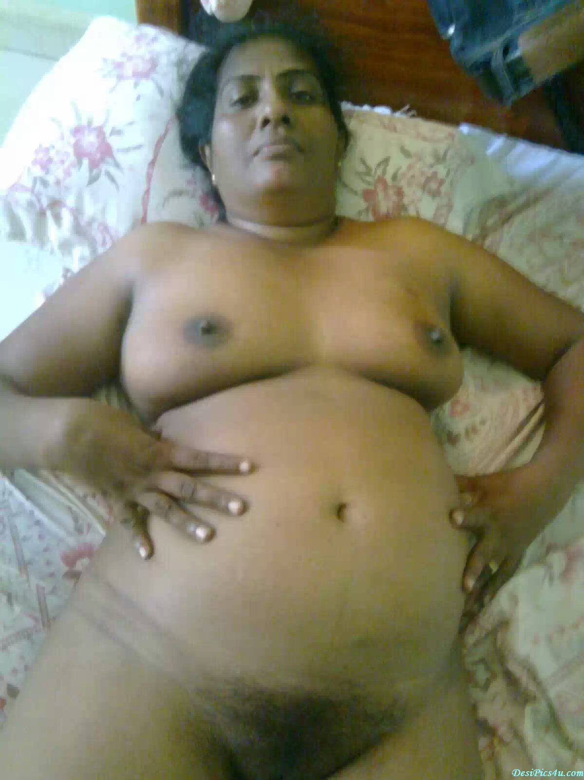 Fat indian aunty nude