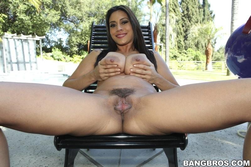 Latina milf raylene nude